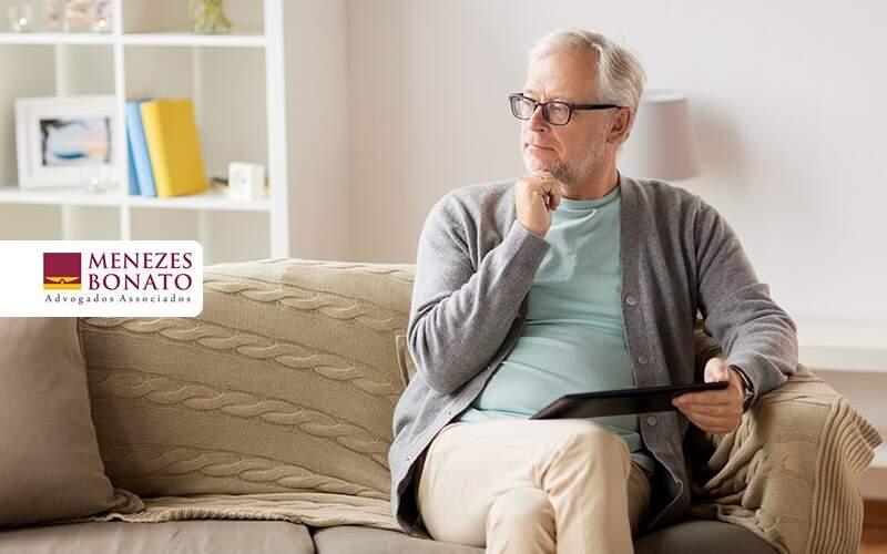 Qual A Idade Para Solicitar Aposentadoria - Menezes Bonato Advogados Associados